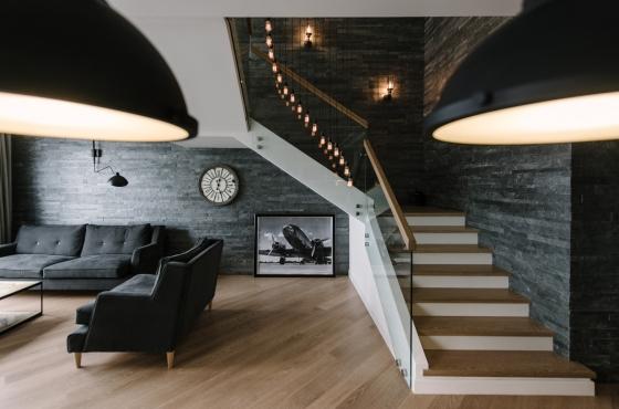 Планировка и интерьер двухуровневой квартиры